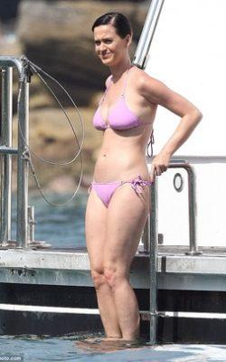 katy-perry-bikini-poids